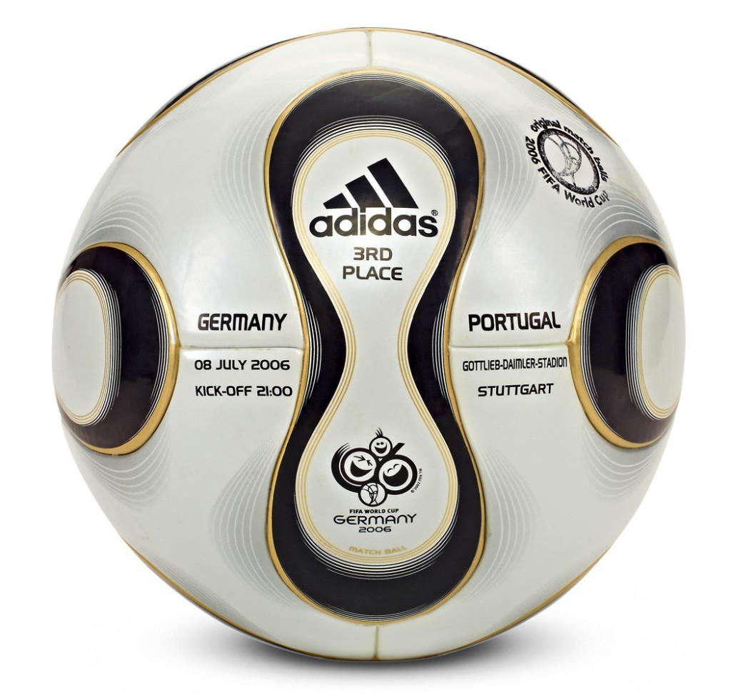 Oficjalna Płka FIFA na Mistrzostwa Świata - Niemcy 2006 rok.