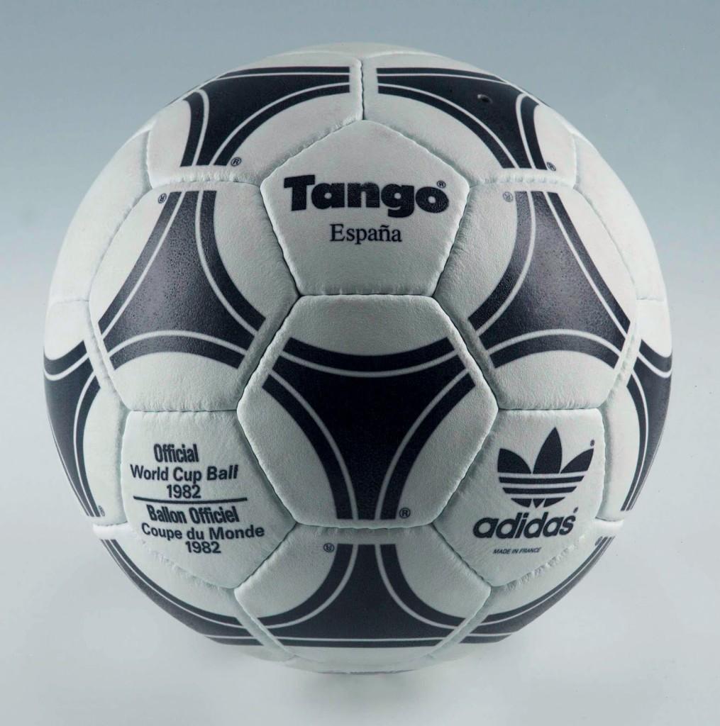 Oficjalna piłka Mistrzostw Świata w Hiszpanii z 1982 roku.